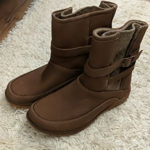 Chaco Hopi boots NWOT size 8